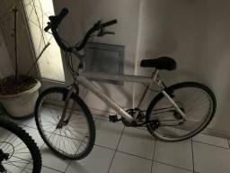 Bicicleta de alumínio, para vender rápido.