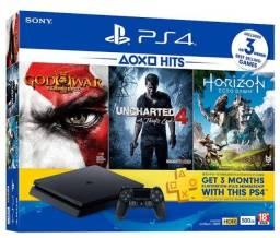 Título do anúncio: Ps4 usado, contém caixa, dois controles e 5 jogos.