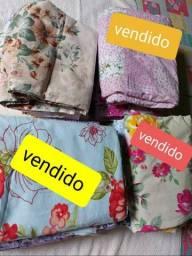 Vendo estes lindos lençóis de casal. 100%Algodão. Novos. Por 75 reais cada um. Aproveite!