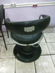 Lavatorio + Cadeira nao Hidraulica