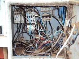 Título do anúncio: Eletricista Montagem inclusa e Todos os Materiais Instalação e Pedido de Relógio