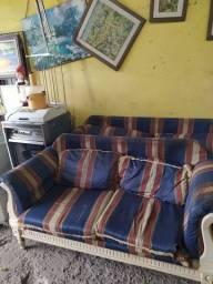 Sofá de 2 e 4 lugares