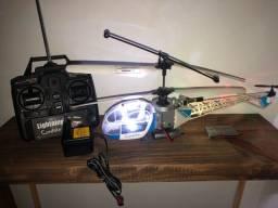 Título do anúncio: Helicóptero controle candide (2 baterias novas)