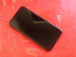 Iphone 8 64GB, usado, única dona, com todos os acessórios