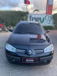 Renault Megane -  1.6 -R$ 30.900,00
