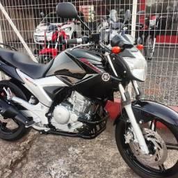 Vende-se Fazer 250 Blueflex 2013 Top Financiamos 47 99284 -6680