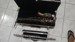 Sax e flauta  ,troco por outro SAX , leia a descrição.