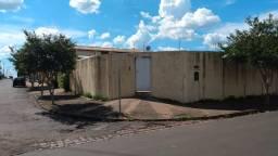 Casa com 3 dorm no Jardim dos Scursonis em Cosmópolis-SP. (CA0182)