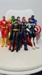 Título do anúncio: Super Herois Marvel ( Hi Happy) *Ler descrição *