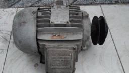 Vendo Motor Weg 1,5 cv trifásico