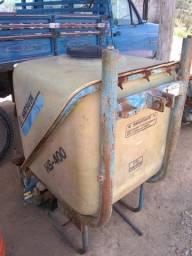 Pulverizador 400 litros