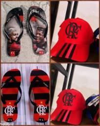 Título do anúncio: Boné e sandálias do FLAMENGO