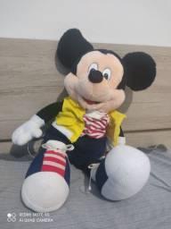 Boneco Mickey