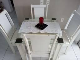 Título do anúncio: Sofás e mesa
