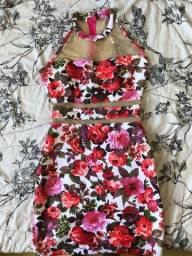 Vestido vermelho florido