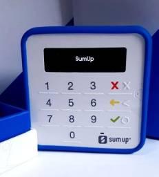 Máquininha de cartão de crédito sumup top recarregável.
