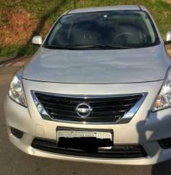 Nissan Versa pra rodar - 2014