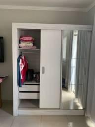 Armário guarda roupa