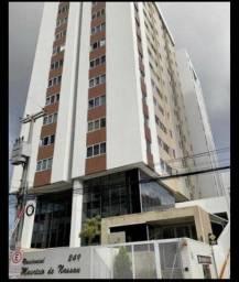 Aluga-se apartamento no edifício Maurício de Nassau