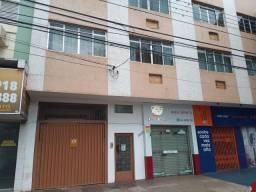 8273 | Apartamento para alugar com 3 quartos em Zona 03, Maringá