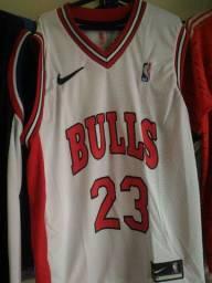 Camisa de basquete  de varios times  valor 100 reais camisa de time 60 reais