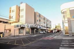 Apartamento à venda com 1 dormitórios em Centro, Linhares cod:765214