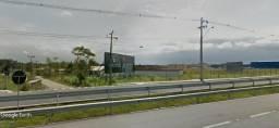 Espetacular terreno na BR 101 com 11.793 m2. Frente 109 m. c/ marginal. Prox. Fort Lev