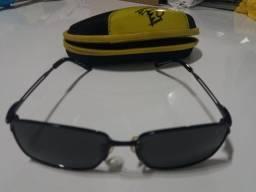 Oculos de sol infantil da marca Tigor