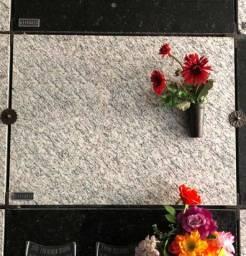 Jazigo Perpétuo - c/ Lápide em Granito - Crematório Metropolitano (Cemitério Sãoo José)