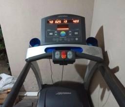 Esteira life fitness T5