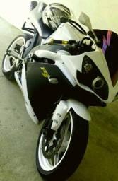 Yamaha YZF R1 única!!