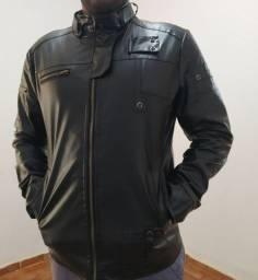 Jaqueta importada em material sintético preta tamanho G.