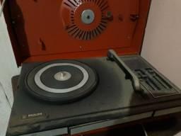 Toca disco Philips 523