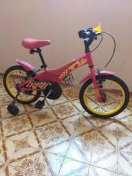 Bicicleta infantil em ótimo estado.
