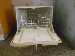 Máquina de Lavar Louça para 06 Pessoas