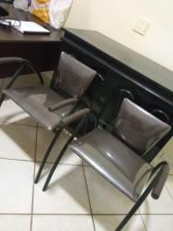 Cadeiras semi novas hiper resistentes