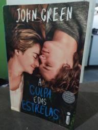 """Livro """"A Culpa é das Estrelas"""""""