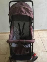 Vendo este carrinho de bebê , valor negociável !