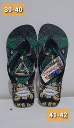 Sandalias masculinas e femininas