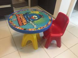 Título do anúncio: conjunto mesa e cadeira infantil galinha pintadinha