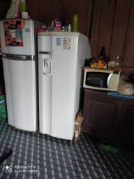 Vendo a geladeira menor