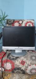 Tela de PC da marca AOC mais um gabinete de PC
