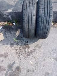 Vendo 2 pneus semi novo