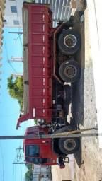 Caminhão caçamba traçado 2628