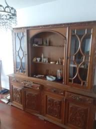 Mesa com 6 cadeiras e Móvel antigo de madeira de Excelente qualidade