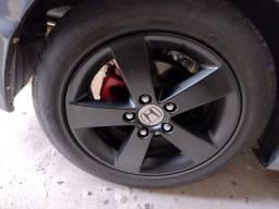 Título do anúncio: Roda com pneus originais Honda Civic