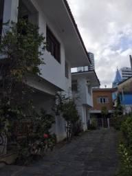 Título do anúncio: Casa para aluguel com 700 metros quadrados em Graças - Recife - PE