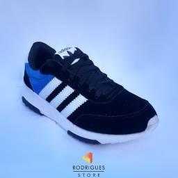 Tênis Adidas Masculino - Numeração 39 - Última unidade