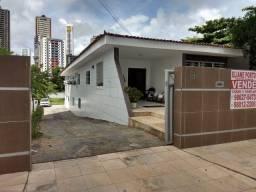 Excelente casa no Cabo Branco a 100 mts da Epitácio Pessoa