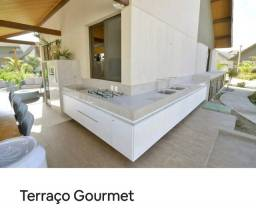 """""""Porteira fechada"""". Bangalô no cond. Malawi, Muro Alto 257 m², 5 suites, DCE."""